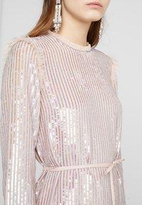 Needle & Thread - GLOSS SEQUIN DRESS - Koktejlové šaty/ šaty na párty - dusk blue - 5