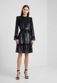 Needle & Thread - GLOSS SEQUIN DRESS - Cocktailklänning - black - 0