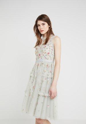 SHIMMER DITSY DRESS - Koktejlové šaty/ šaty na párty - pistachio