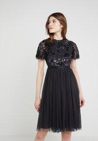 Needle & Thread - DREAM DRESS - Robe de soirée - graphite - 0