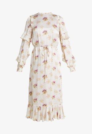 BESSIE MIDAXI DRESS - Denní šaty - champagne