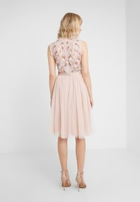Needle & Thread - DARLING BODICE SLEEVELESS MIDI DRESS - Cocktail dress / Party dress - powder pink - 2