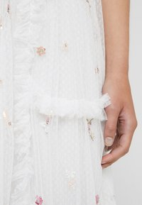 Needle & Thread - SHIMMER DITSY GOWN - Iltapuku - ivory - 6