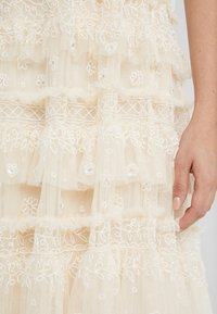 Needle & Thread - ANDROMEDA GOWN - Galajurk - champagne - 6