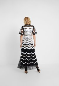 Needle & Thread - ALASKA GOWN - Společenské šaty - ballet black - 2