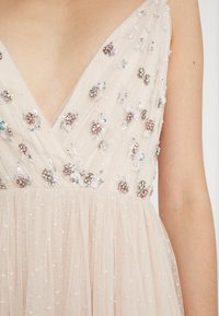 Needle & Thread - NEVE EMBELLISHED BODICE DRESS - Festklänning - pearl rose - 3