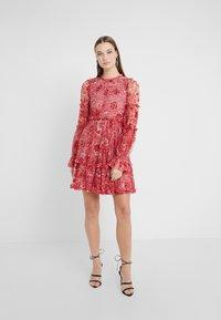 Needle & Thread - ANYA EMBELLISHED DRESS - Vardagsklänning - cherry red - 0
