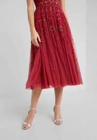 Needle & Thread - SNOWFLAKE PROM DRESS - Cocktail dress / Party dress - cherry red - 4
