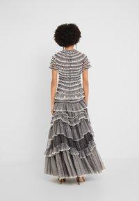 Needle & Thread - WILD ROSE RUFFLE GOWN - Suknia balowa - graphite/champagne - 2