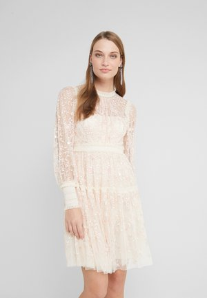 THORN MINI DRESS - Vestito elegante - champagne/pink