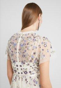 Needle & Thread - PRARIE FLORA GOWN - Festklänning - champagne - 4