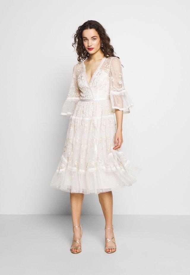 PENNYFLOWER DRESS - Cocktailjurk - white
