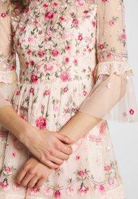 Needle & Thread - BUTTERFLY MEADOW DRESS - Cocktailklänning - meadow pink - 4