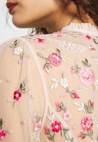Needle & Thread - BUTTERFLY MEADOW DRESS - Cocktailklänning - meadow pink - 6