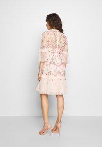 Needle & Thread - BUTTERFLY MEADOW DRESS - Cocktailklänning - meadow pink - 2