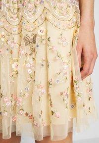 Needle & Thread - SWEET PETAL SHORT SLEEVE DRESS - Vestito elegante - yellow - 4