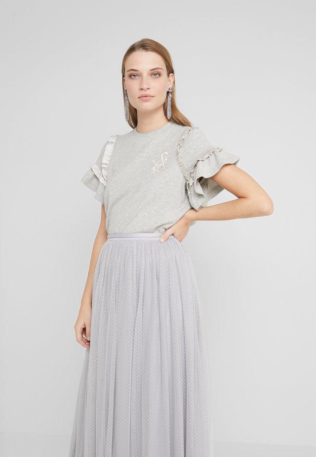 LARA RUFFLE TEE - Print T-shirt - grey marl