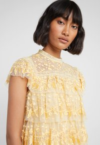 Needle & Thread - ANGELICA LACE TOP - Bluser - washed yellow - 5