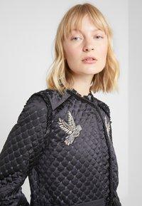 Needle & Thread - BIRDIE LOVE QUILTED COAT - Zimní kabát - graphite - 3