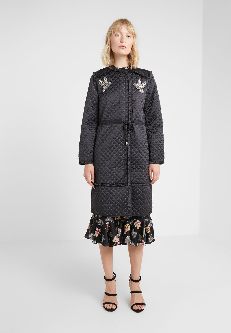 Needle & Thread - BIRDIE LOVE QUILTED COAT - Zimní kabát - graphite