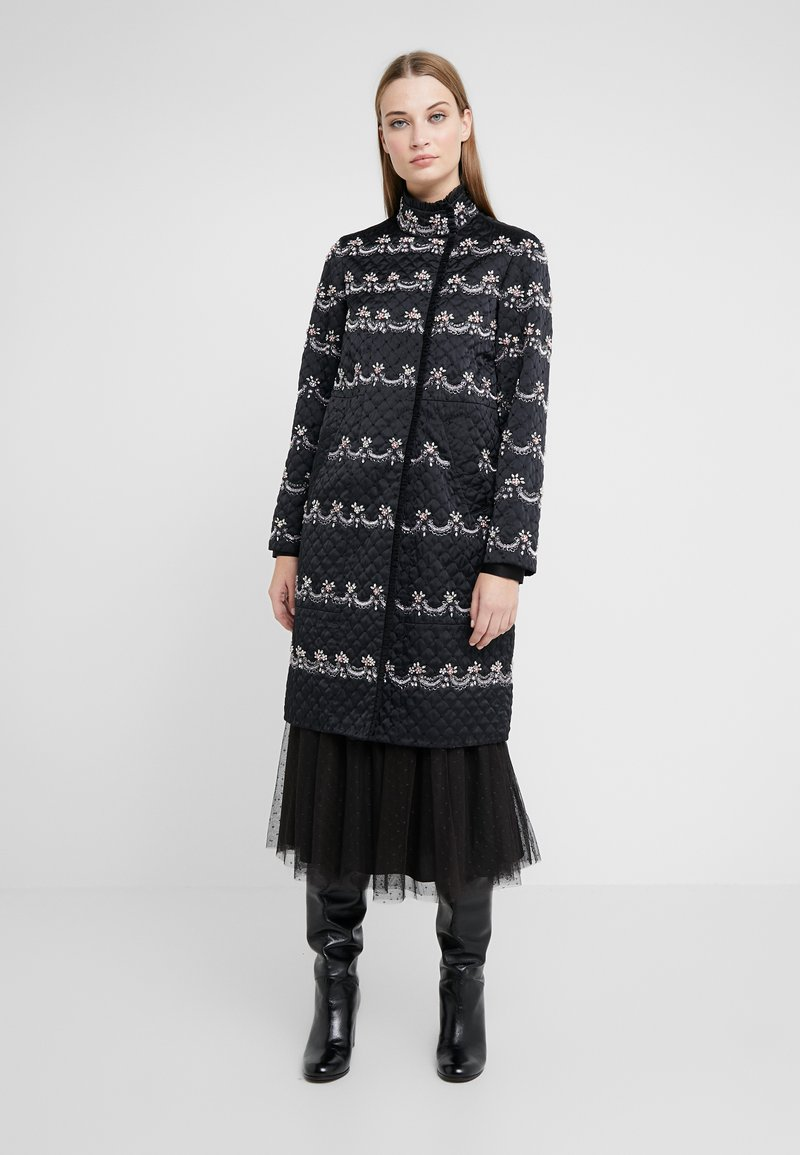 Needle & Thread - NEVE EMBELLISHED QUILTED COAT - Mantel - ballet black