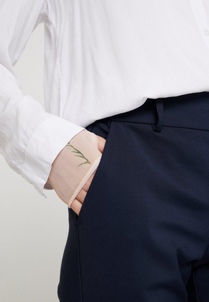 Nümph BABASAN PANTS - Bukse - dark sapphire