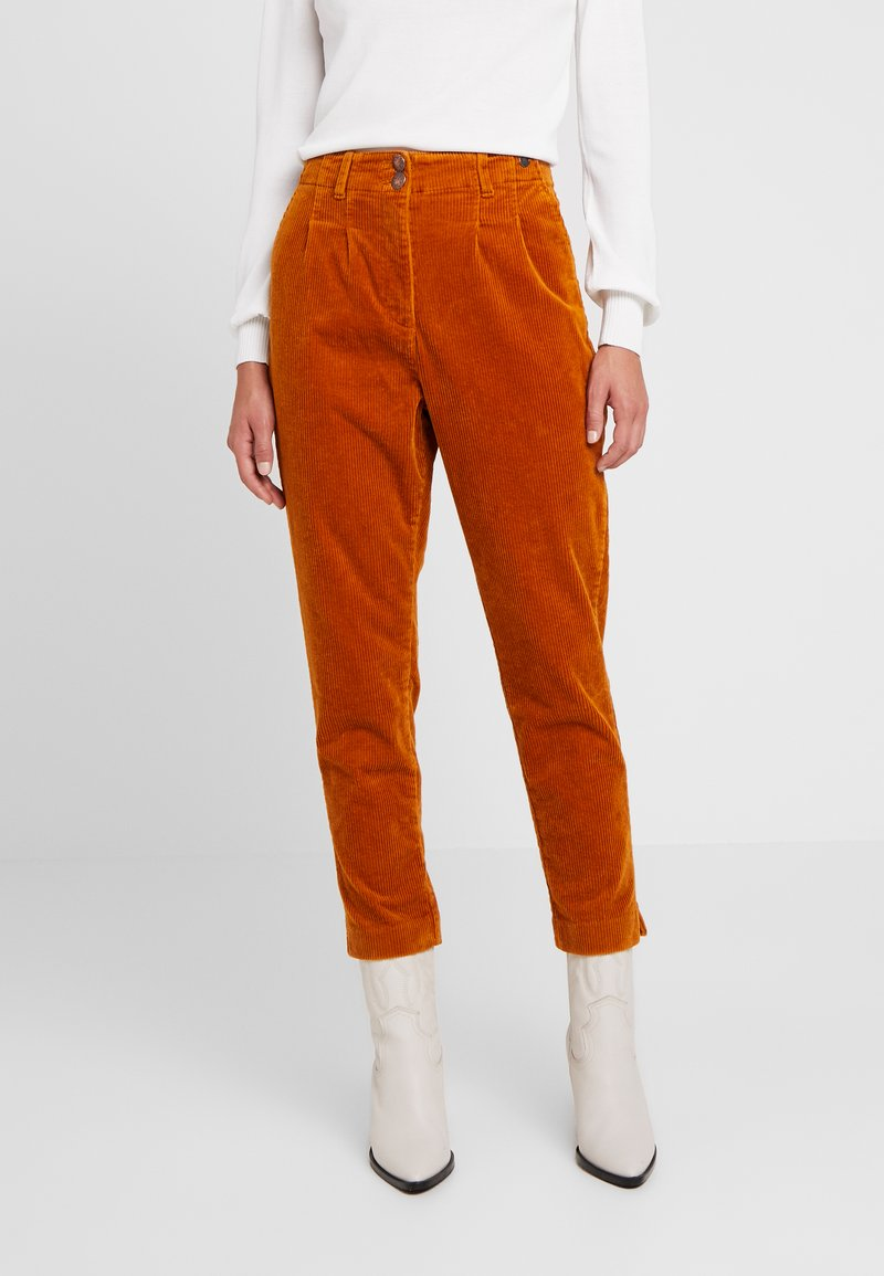 Nümph - MEGHAN PANTS - Trousers - sudan brown