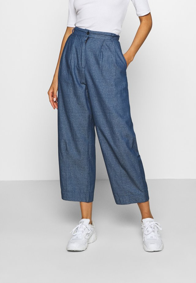 NUBRINSLEY PANTS - Pantaloni - moonlite