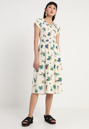 CYDNEY DRESS - Kjole - pristine