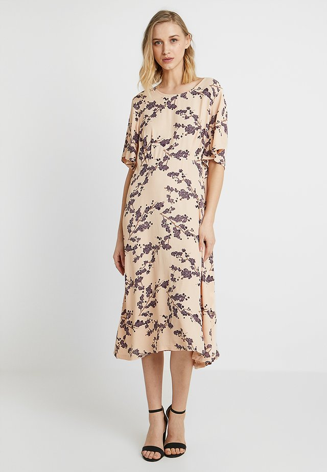 KAMA DRESS - Korte jurk - cameo rose