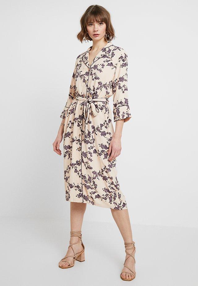 KARENA DRESS - Skjortekjole - cameo rose