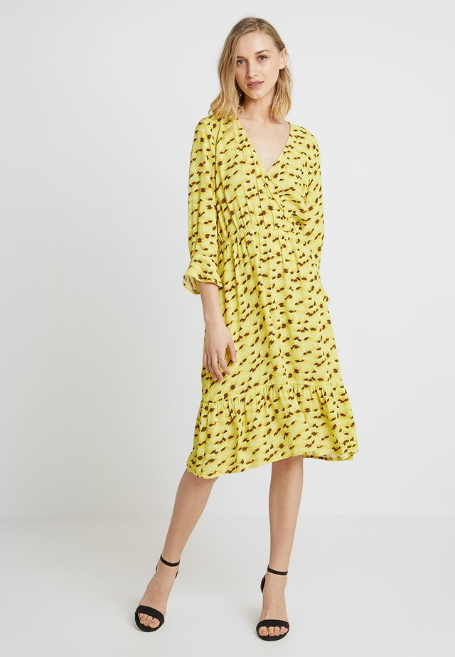 KAMILA DRESS - Day dress - yellow pier