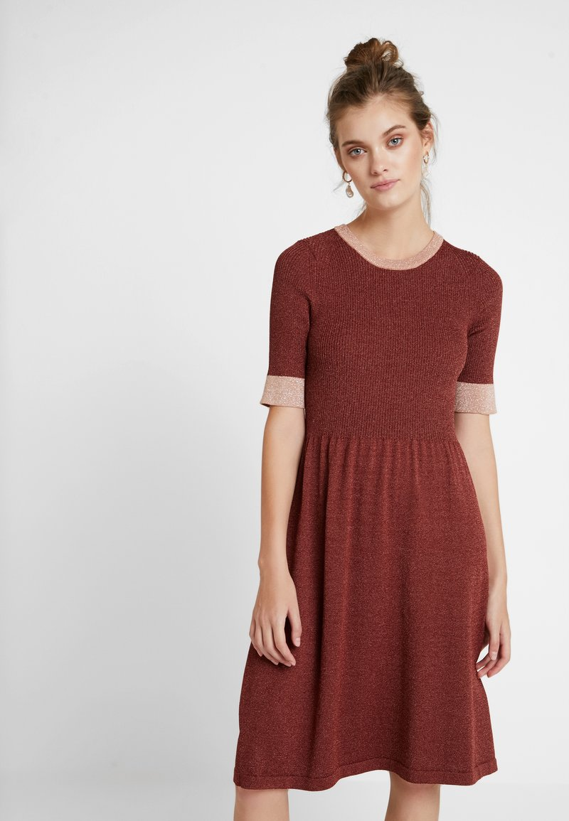 Nümph - MAYBELY DRESS - Jumper dress - fired brick