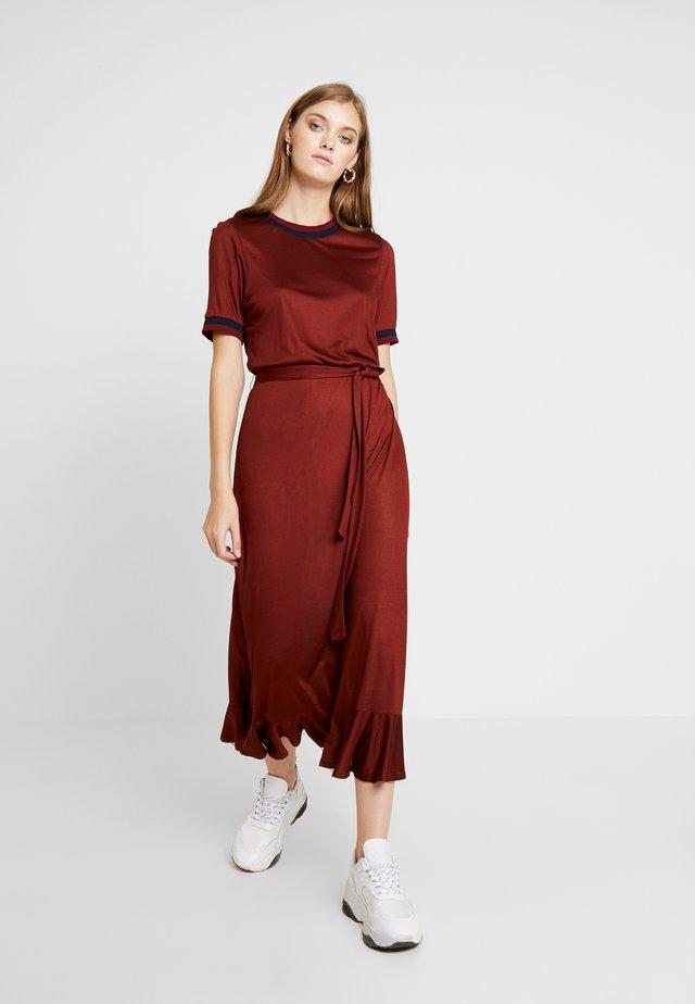 LISBETHAS  DRESS - Maxi-jurk - fired brick