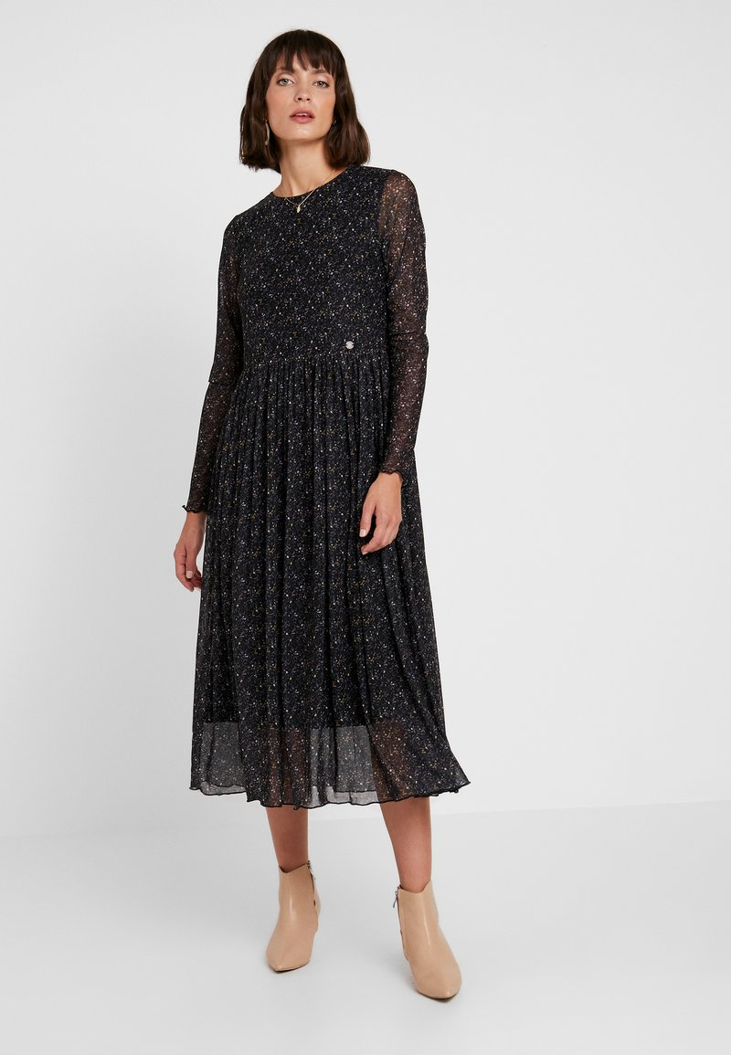Nümph - NUFREJA DRESS - Robe d'été - caviar