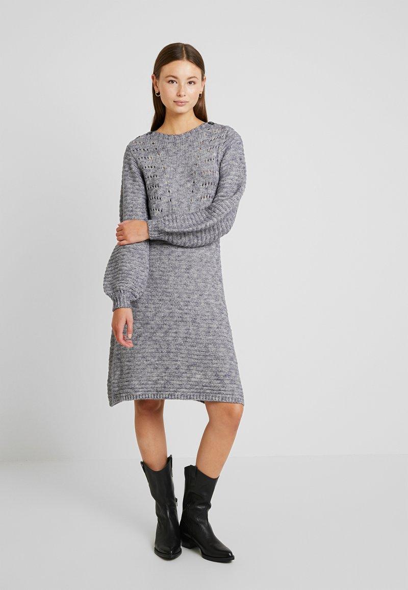 Nümph - NUMARNIE DRESS - Strickkleid - ombre blue
