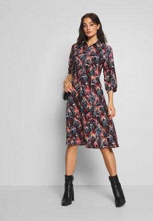 NUABIAH DRESS - Košilové šaty - sapphire