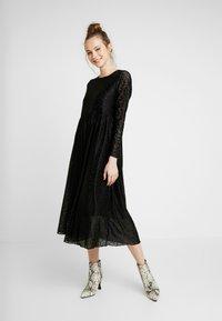 Nümph - NUMUIREANN DRESS - Cocktail dress / Party dress - caviar - 0