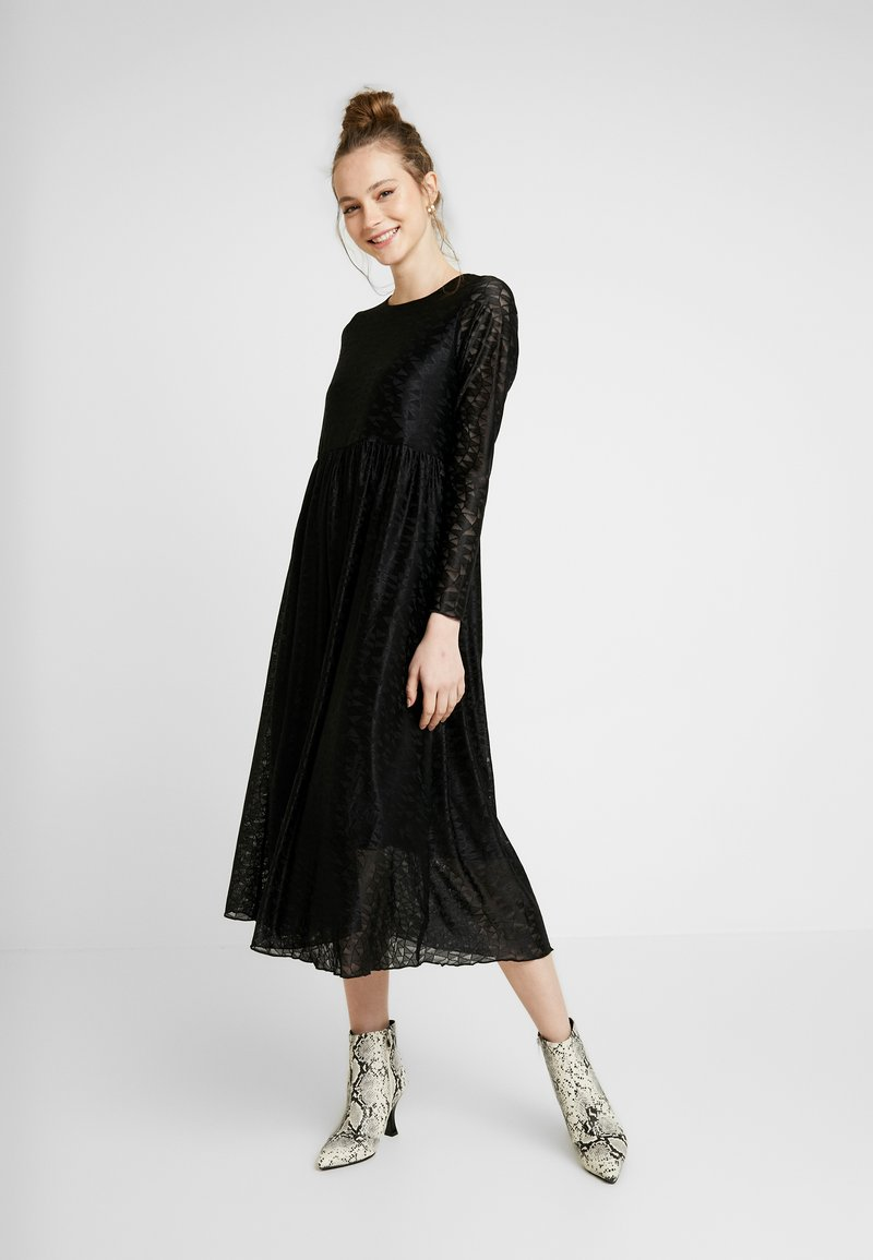 Nümph - NUMUIREANN DRESS - Cocktail dress / Party dress - caviar