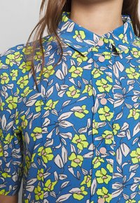 Nümph - NUAIDEEN DRESS - Skjortekjole - coast - 5