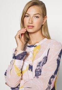 Nümph - KYNDALL DRESS - Shirt dress - multi coloured - 3