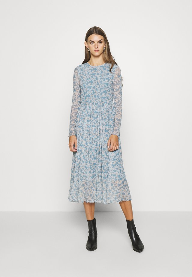 NUBELLEROSE DRESS - Maxikleid - citadel