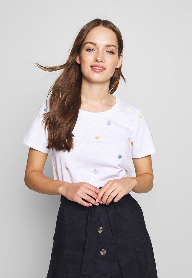 NUALBINIA  - T-shirt imprimé - off-white/multi-coloured