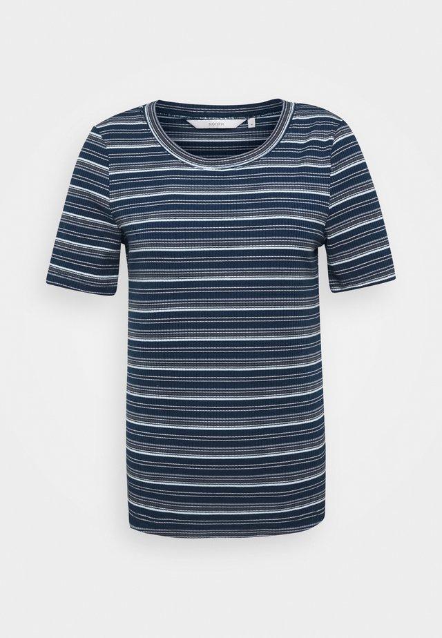 BENYL - T-shirt imprimé - citadel