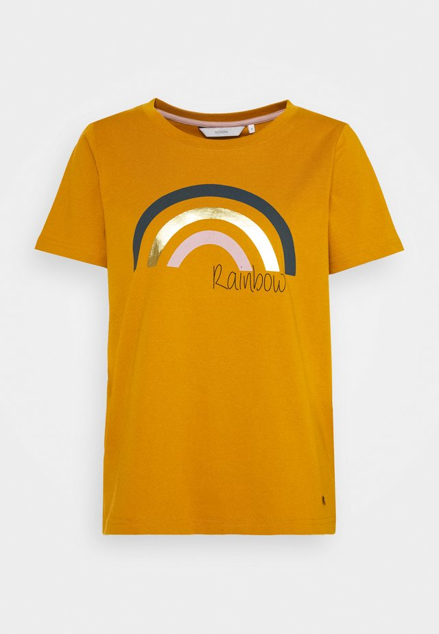 NUBRYCE - T-shirt z nadrukiem - buck brown