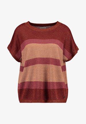 NEW DARLENE - T-shirts med print - fired brick