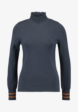 MEHIRA - Stickad tröja - ombre blue