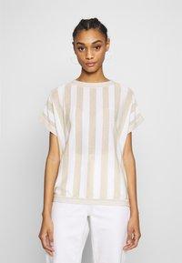 Nümph - NUACANTHA - Print T-shirt - cloud dancer - 0