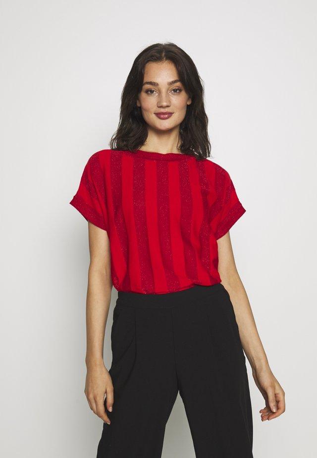 NUACANTHA - T-shirt imprimé - fiery red