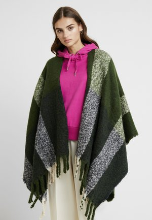 ORIAH PONCHO - Cape - green pastures